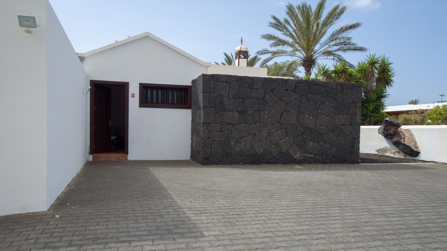 2 Bedroom  House / Villa
