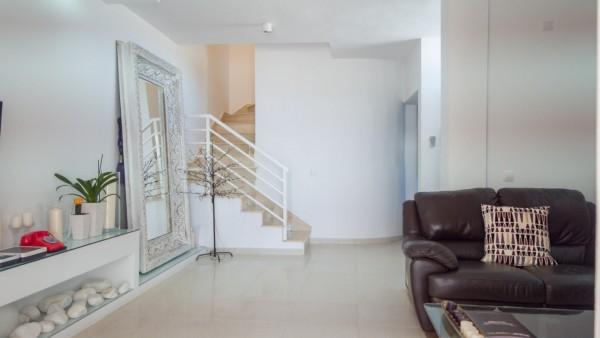 5 Bedroom  House / Villa 3