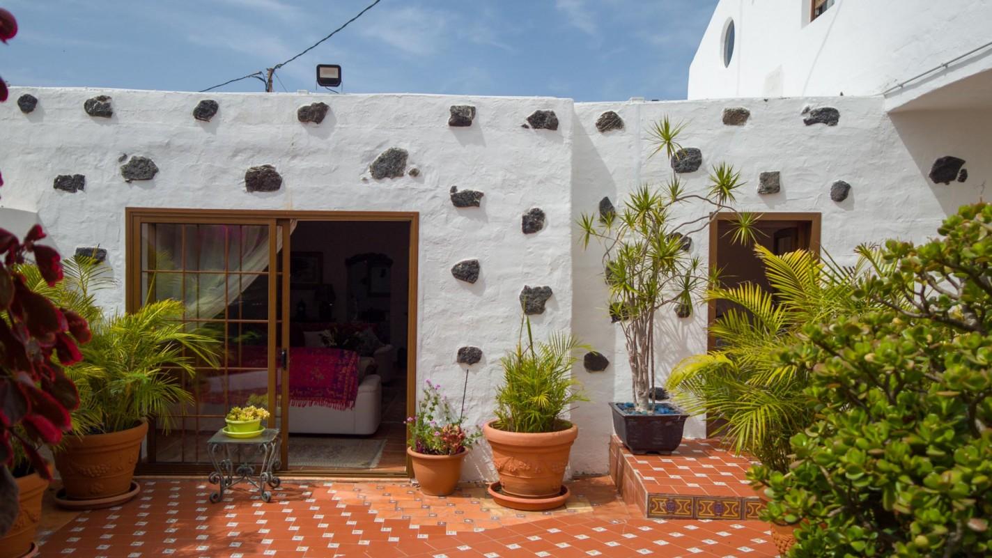 4 Bedroom  House / Villa