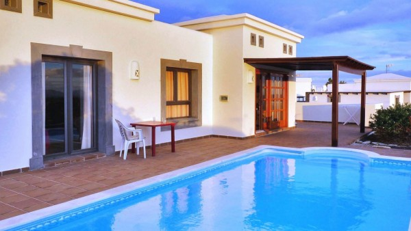 2 Bedroom  House / Villa 2